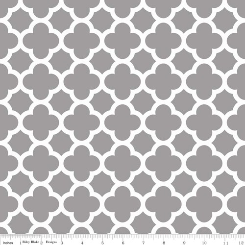 Quatrefoil in Gray