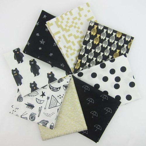 Golden Bear Hugs Fat Quarter Bundle