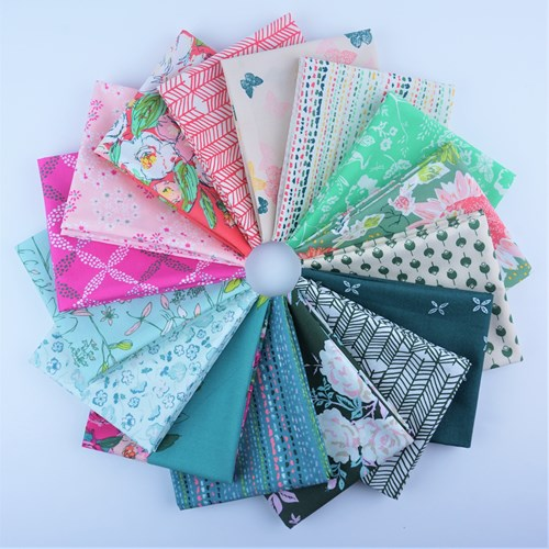 Signature Fat Quarter Bundle by Sharon Holland